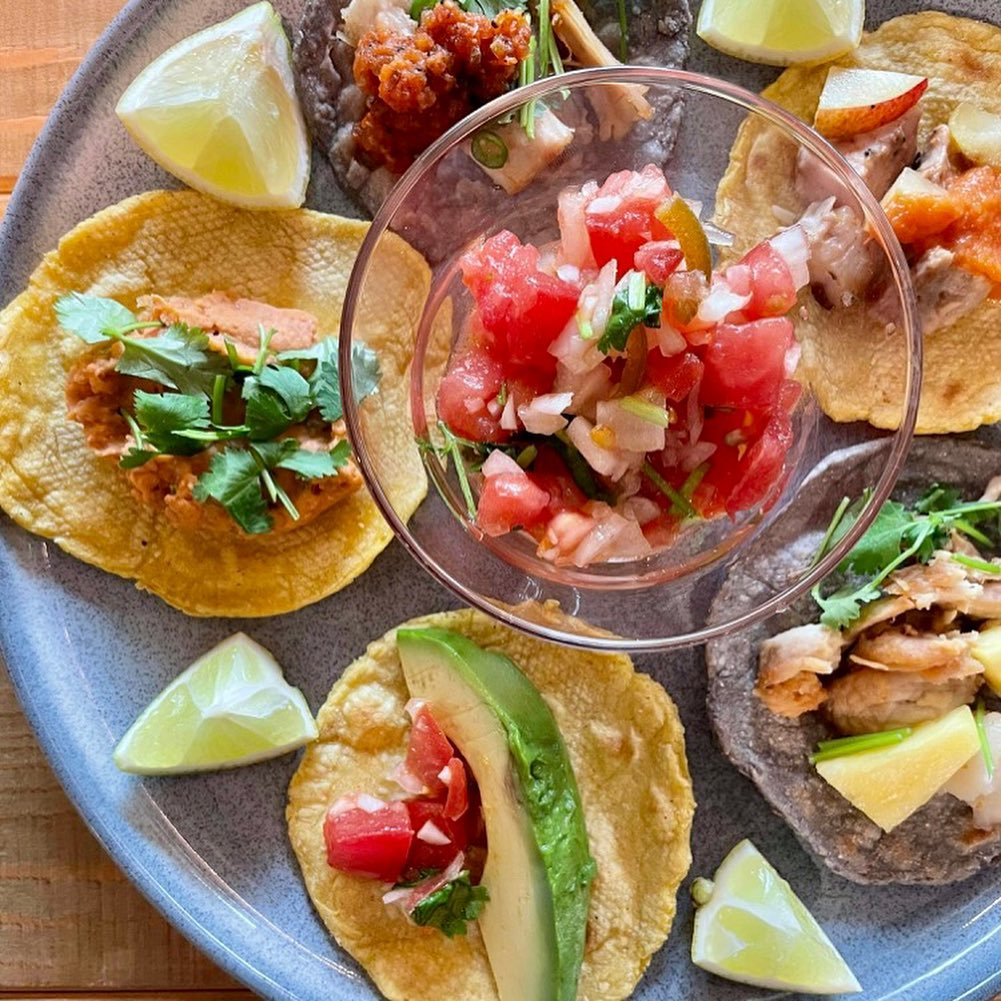 レッスンレポート:〈モウさんのメキシコ、タコス祭り!〉副島モウ「旅するごはん、世界の料理」メキシコ編、開催しました(2021.07.18)